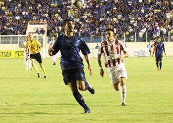 Com gols no segundo tempo, Confiança e Náutico empatam na Arena Batistão pelo Campeonato Brasileiro