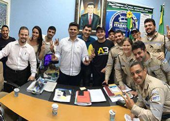 Prefeito de Itabaiana se reúne com agentes de trânsito do município para anunciar reajuste salarial da categoria