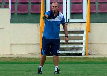 Diretoria do Confiança dispensa técnico após derrota para o Sergipe