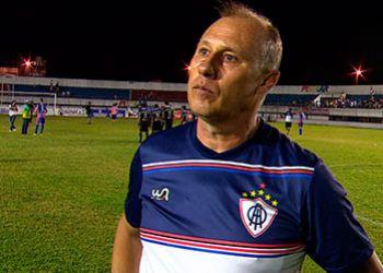 Técnico deixa o Confiança e ex-treinador do Itabaiana é anunciado como substituto