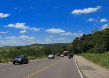 Jovem é encontrado morto por Policiais Rodoviários Federais às margens da BR-235 ao lado de motocicleta