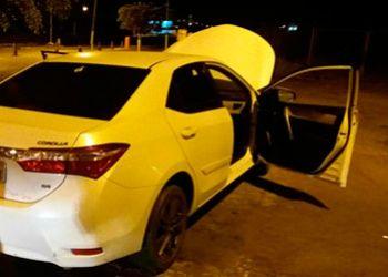 Carro de passeio é apreendido pela PM na cidade de Itabaiana quando circulava com quatro ocupantes