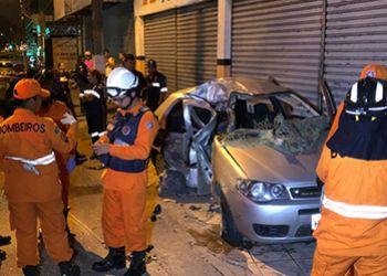 Carro de passeio, com placas de Ribeir�polis, se envolve em acidente de tr�nsito na capital sergipana