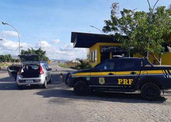 Veículo com restrição de roubo é recuperado na BR-235 pela Polícia Rodoviária Federal no Agreste sergipano