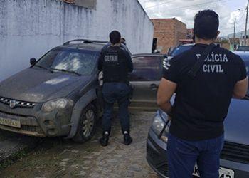 A��o conjunta das pol�cias civil e militar resulta na recupera��o de ve�culo tomado de assalto em Ribeir�polis