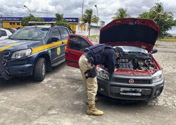 PRF recupera na BR-235, em Itabaiana, veículo com registro de furto no Estado de Pernambuco