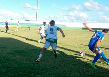 Sete torcedores pagam ingresso para assistir partida do Campeonato Sergipano