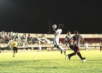 Itabaiana avan�a de fase no Campeonato Brasileiro ap�s derrotar o Fluminense de Feira pela segunda vez