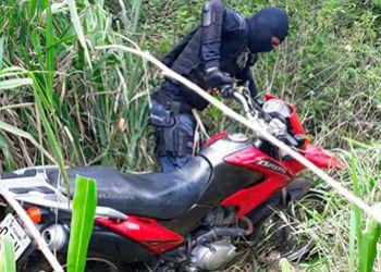 PM recupera duas motocicletas logo após terem sido tomadas de assalto