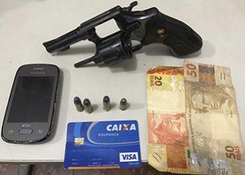 Homem é detido pela PM na cidade de Carira por Porte Ilegal de Arma de Fogo