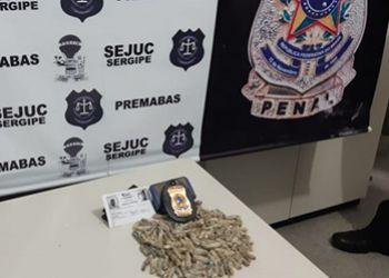 """Mulheres são detidas por tentarem colocar pimentas """"recheadas"""" com maconha em presídio"""