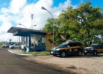 Três adolescentes e um adulto são detidos em flagrante após roubarem carro em Aracaju e fugirem para o Agreste Sergipano