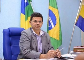 Valmir de Francisquinho emite Nota Pública para esclarecer fatos que ocorrem em Itabaiana após seu afastamento da Administração Municipal