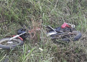 Casal morre em acidente envolvendo carro e motocicleta em Rodovia Estadual