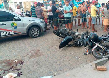 Colisão envolvendo motocicletas deixa uma pessoa morta e outra gravemente ferida