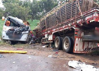 Caminh�o com placas de Itabaiana se envolve em grave acidente na Regi�o Norte de Minas Gerais
