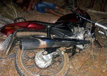 PM apreende adolescente infrator e recupera motocicletas roubadas