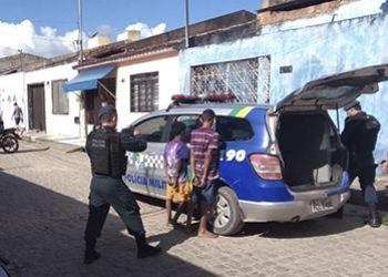 PM prende casal e apreende dois adolescentes suspeitos de tentativa de homicídio em Lagarto