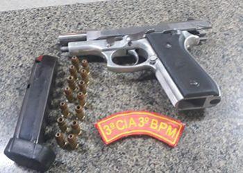 Motorista de autom�vel � preso em Ribeir�polis pela Pol�cia Militar em posse de arma de fogo
