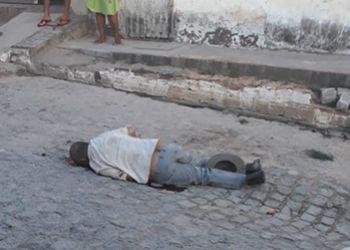 Homicídio com emprego de arma de fogo é registrado em via pública na periferia da cidade de Lagarto