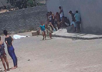 Jovem morre em via p�blica na cidade de Ribeirop�lis ap�s ser alvejado por disparos de arma de fogo
