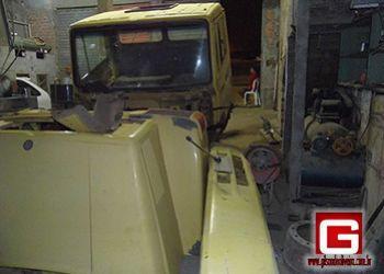 Cabine de ca�amba furtada em Salvador � encontrada desmontada em oficina na cidade de Itabaiana