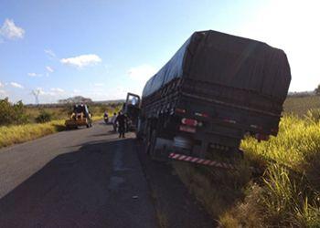 Caminh�o com placas do Estado do Paran� � encontrado abandonado em Rodovia Estadual no Agreste Sergipano