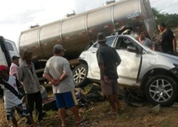 Acidente Fatal: Na Rota do Sert�o duas pessoas morreram em colis�o envolvendo carros e motocicleta