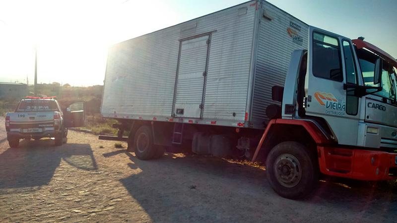 caminhão tomado assalto Itabaiana Sergipe