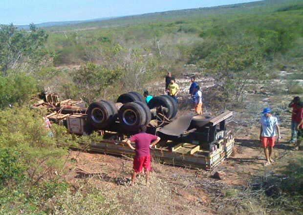 Descamisado Itabaiana Sergipe acidente caminhão Morro do Chapéu Bahia