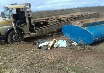Crian�a morre em capotamento de caminh�o-pipa na zona rural de Carira