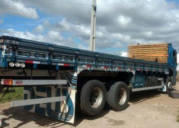 PM recupera na periferia de Itabaiana caminh�o roubado no interior baiano