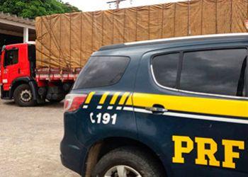 Caminhão roubado em Salvador é recuperado pela PRF na região Metropolitana de Aracaju
