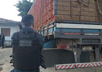 Caminhão tomado de assalto no Leste sergipano é encontrado pela PM em povoado de Itabaiana