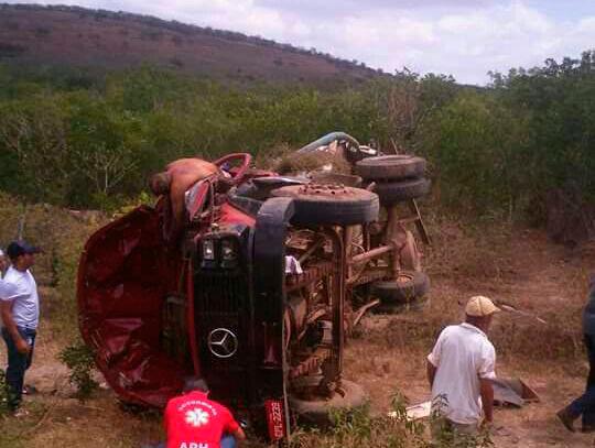 caminhão Pipa capomento Sertão Sergipano