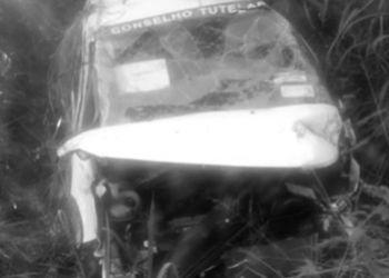 Motorista da Prefeitura de Frei Paulo perde controle de veículo e capota na BR-235