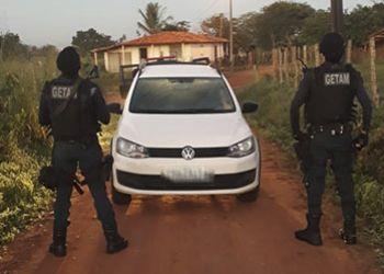 Carro roubado na sede do munic�pio de Itabaiana � abandonado pelos criminosos na zona rural