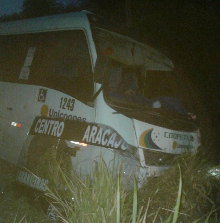 colisão automóvel micro ônibus Riachuelo Sergipe