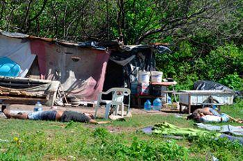 Tr�s pessoas s�o mortas a tiros em �rea de manguezal em Aracaju (SE)