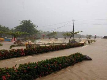 Meteorologia: Chuva causa inunda��es na capital sergipana e v�rios munic�pios do Estado
