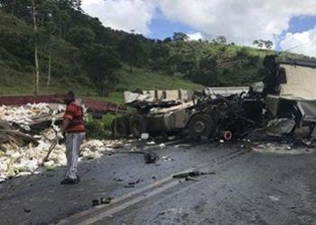 Caminhoneiro de Itabaiana morre em colis�o com carreta no Leste de Minas Gerais