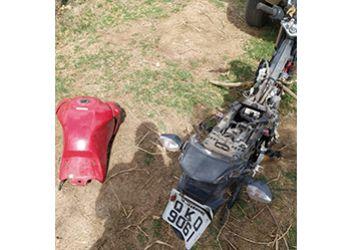 Motocicleta � encontrada pela PM em situa��o de desmanche na Zona Urbana de Itabaiana
