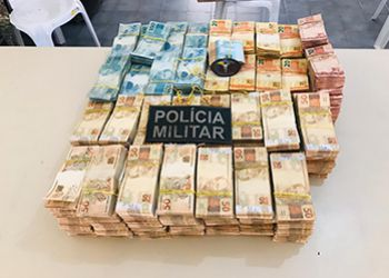 Polícia Militar apreende no Alto Sertão Sergipano mais de R$ 1,2 milhão que estava sendo transportado em caminhão