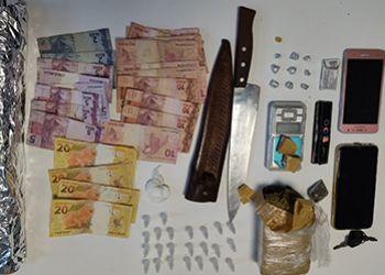 Dupla � presa pela Pol�cia Civil em bairro de Itabaiana por tr�fico de drogas