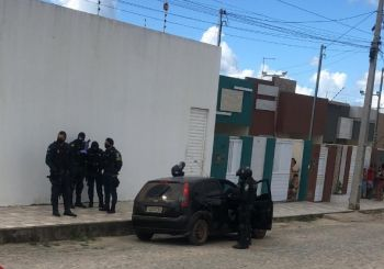 Dois homens são mortos por disparos de arma de fogo dentro de automóvel em Itabaiana