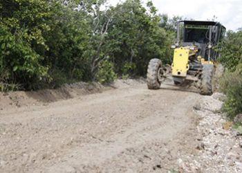 Ap�s chuvas, Prefeitura de Itabaiana intensifica trabalhos de recupera��o de estradas