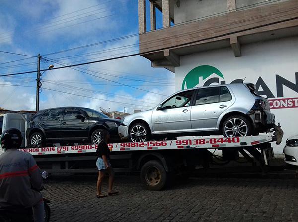Carros utilizados pelos suspeitos