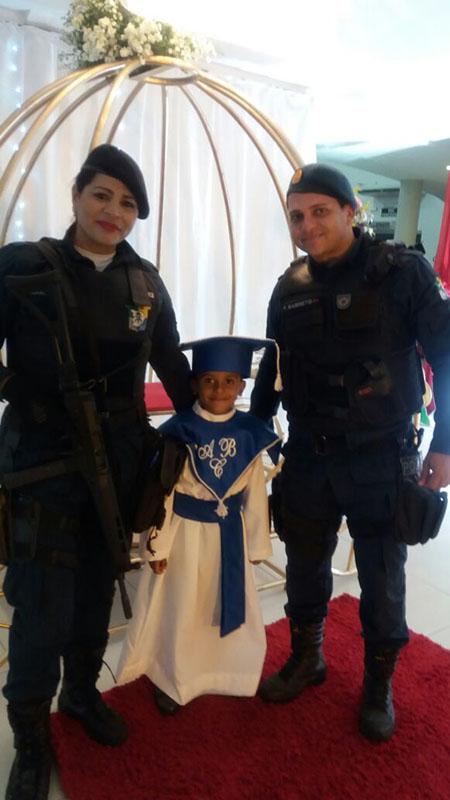 Formatura criança conhecer Policial Militar Itabaiana Sergipe