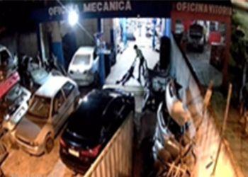 Jovem é morto dentro de oficina na cidade de Lagarto, após ser perseguido por criminoso