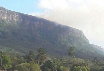 Parque Nacional da Serra de Itabaiana é atingido por incêndio